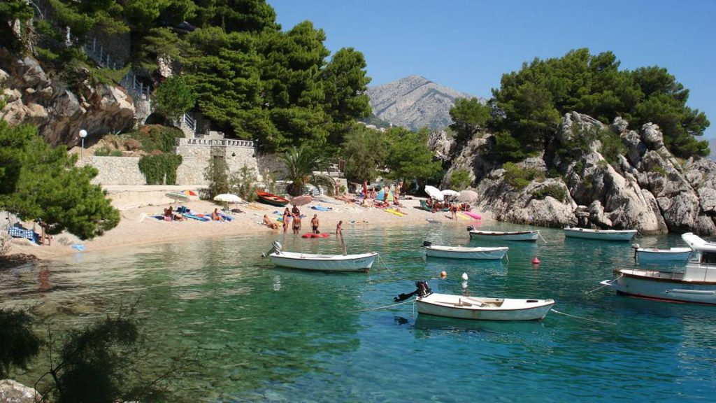302787-holidays-boats-and-beach-in-croatia
