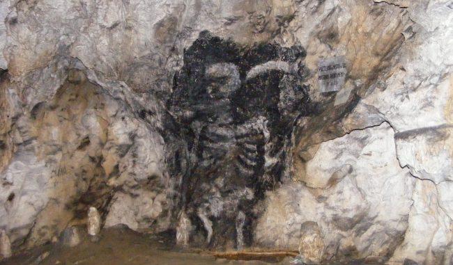 Peștera lui Zamolxe, casa zeului suprem al dacilor
