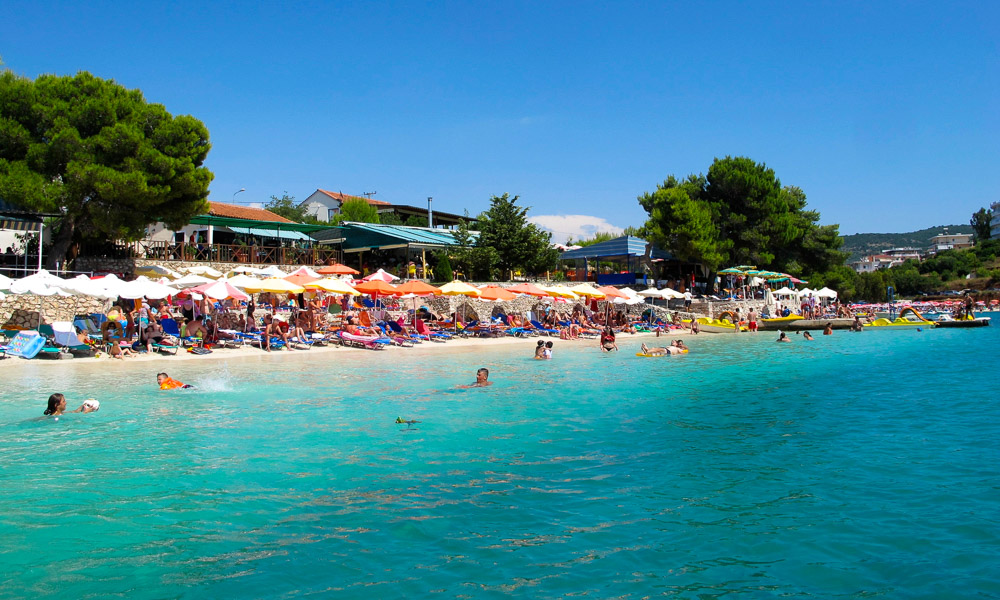 Albania-Ksamil-busy-beach