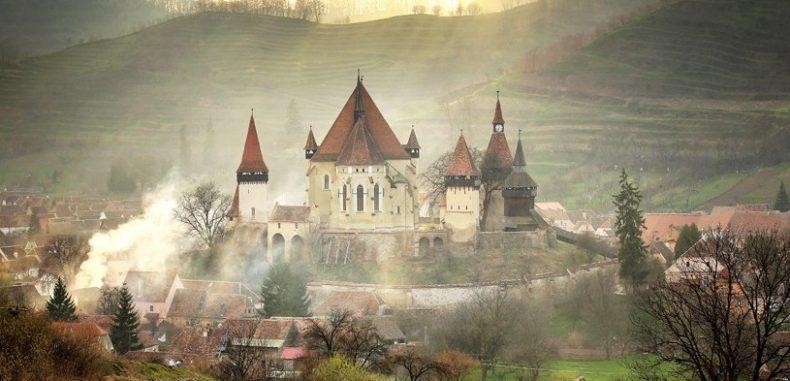 Satul din România, unde divorțul nu mai există. BBC i-a spus povestea