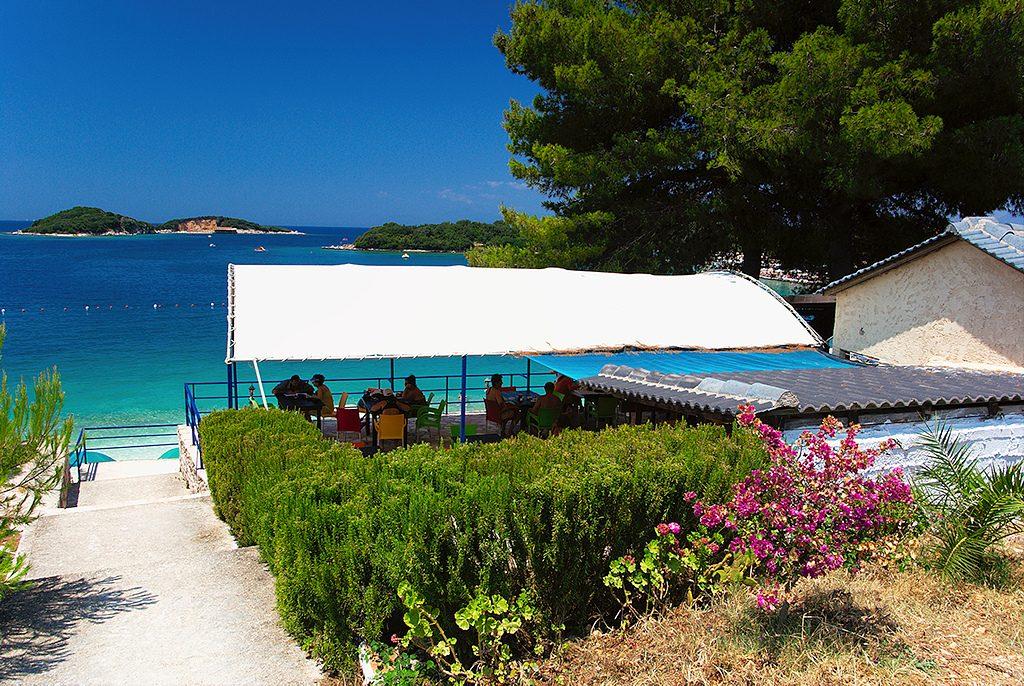 Ksamil beach (Albania) – Caraibe cu buget redus prețuri albania, plaje albania, vacanta albania cazare albania plaja ksamil plaja durres plaja vlore albania hoteluri