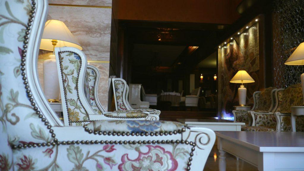 Aventuri pe tărâmul Neamțului. Atracții turistice în județul Neamț cetatea neamțului pădurea de argint schitul vovidenia hotel roman casa memoriala a lui mihai sadoveanu