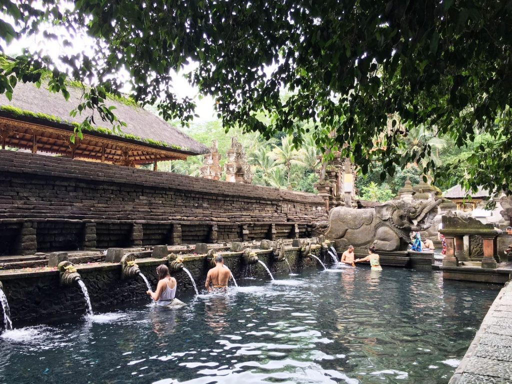 TEMPLUL TIRTHA EMPUL  concediu în Bali