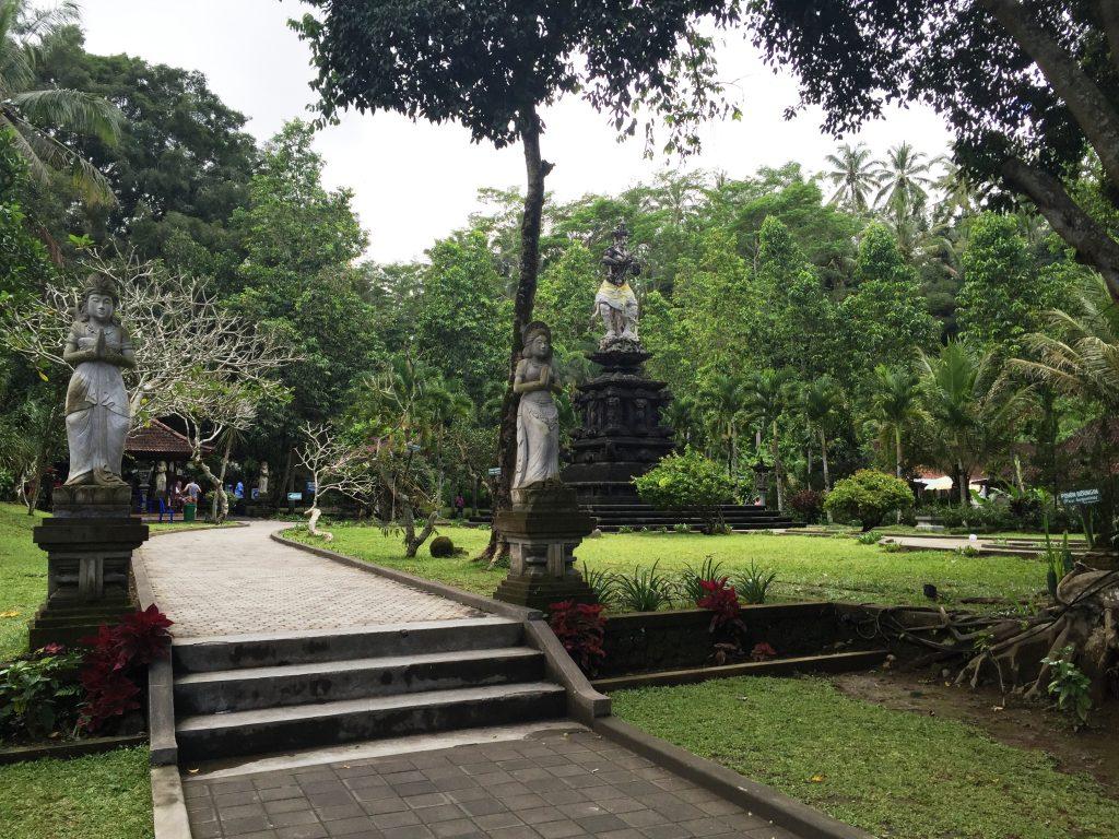 TIRTHA EMPUL  concediu în Bali
