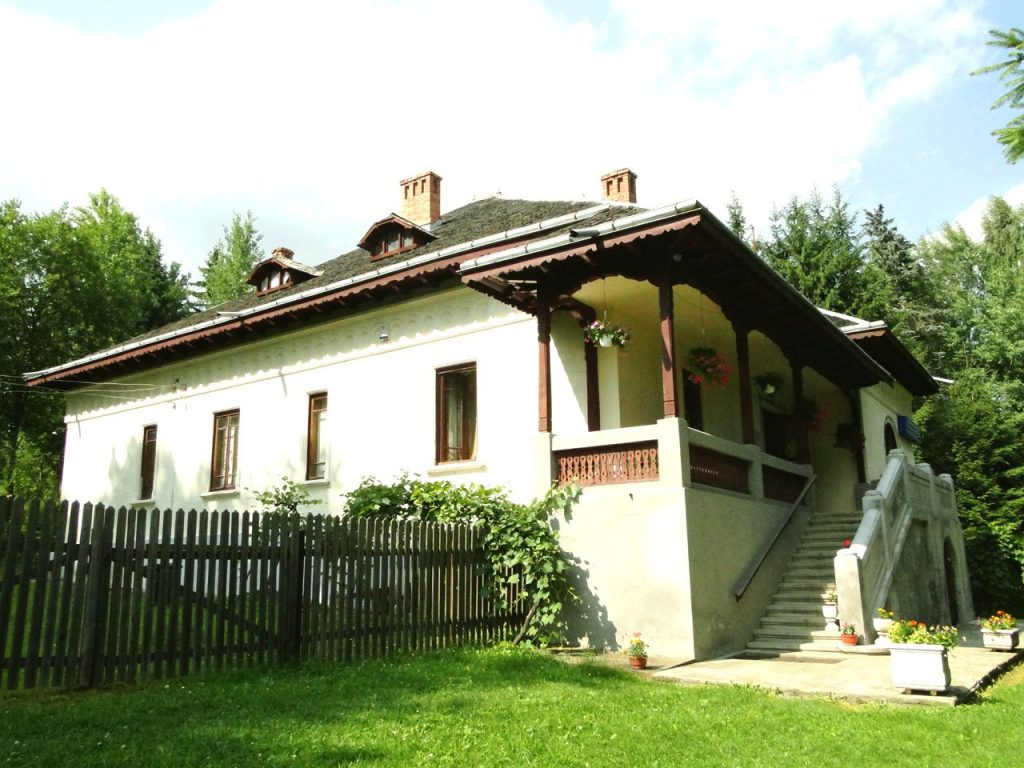 casa-memoriala-sadoveanu