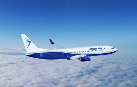 Operatorii aerieni low-cost Blue Air şi Wizz Air vin cu reduceri de preţuri pentru pasagerii care îşi achiziţionează biletele de avion în acest weekend zboruri charter saptamanale