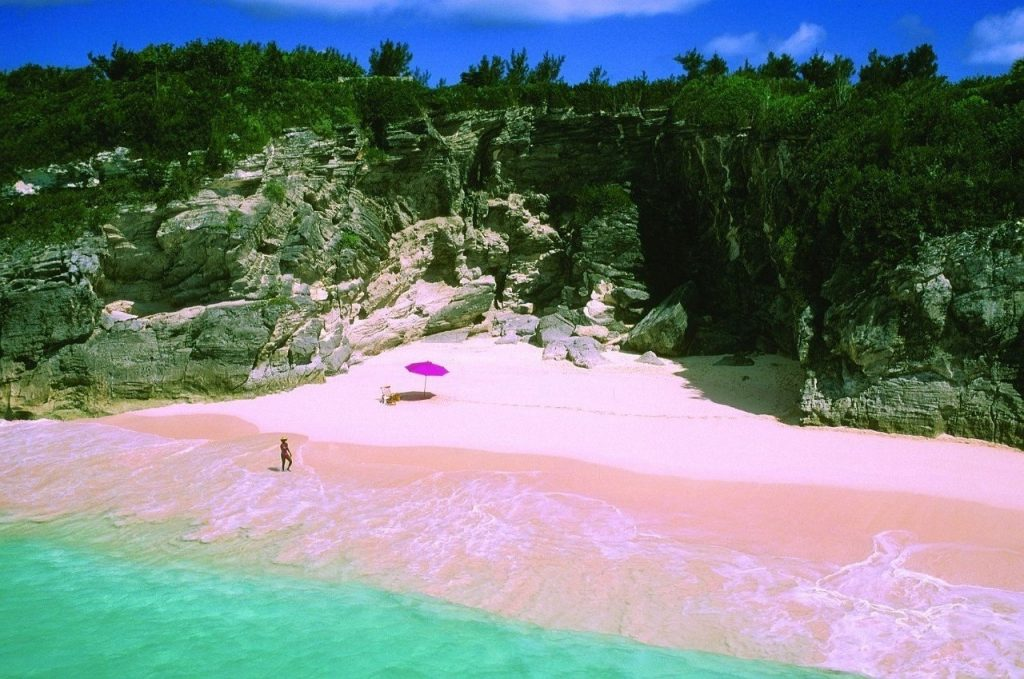Plaja nisipurilor roz