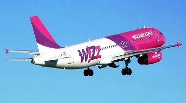 Zilele astea m-am ales cu un zbor anulat cu Wizz Air și compania a și reușit performanța să mă confunde cu un rus, după ce probabil mi-a vândut locul Compania aeriană low-cost Wizz Air atenţionează pasagerii că este nevoită să îşi anuleze toate zborurile de miercuri spre şi dinspre Bruxelles, din cauza grevei generale din Belgia. Cum poți plăti 80.000 de euro către Wizz Air ruta wizz air politica bagajelor
