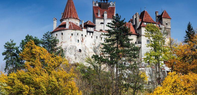 Străinii vin în România pentru poveștile cu Dracula și strigoi