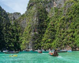 Un călător norocos va câștiga o vacanță în Thailanda pentru două persoane, ce include biletul de avion și cazarea timp de 7 nopți