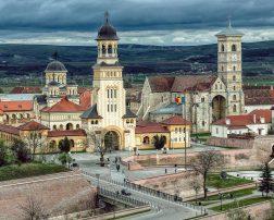 Ceremoniile de 1 Decembrie de la Alba Iulia vor atrage un număr atât de mare de români încât toate hotelurile din zonă sunt rezervate aproape integral