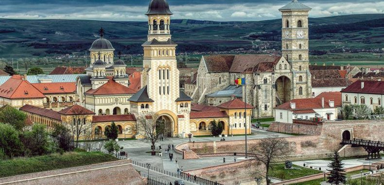 1 decembrie a scumpit de 4 ori cazarea la Alba Iulia. Hotelurile și pensiunile, ocupate pe o rază de 100 km
