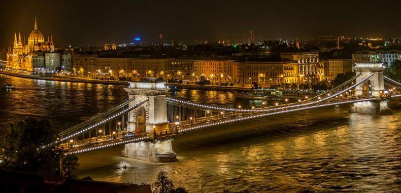 City break la Budapesta, cu doar 10 euro biletul de autocar