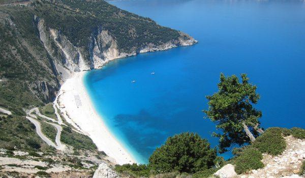 Sezonul de vacanțe de vară în Grecia a debutat în prima săptămână din luna iunie, cu 11 curse charter spre șapte insule grecești, organizate săptămânal de turoperatorul Paralela 45 vacanțe mai scumpe în grecia