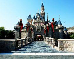 minivacanță cu familia la Disneyland