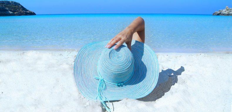 Pericolele la care ne expunem când luăm vacanța din locuri neverificate