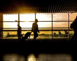 despăgubiri de sute de euro de la companiile aeriene