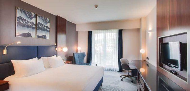 10 hoteluri de pe litoral și unul din Băile Herculane închise de stat