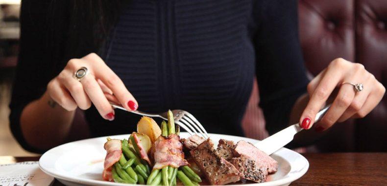 Atenție unde mâncați! Va apărea Lista rușinii cu localurile de pe litoral