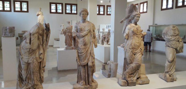 Dion, orașul sacru închinat lui Zeus, unde regii aduceau ofrande și făceau sacrificii