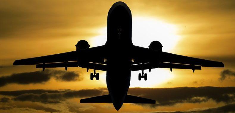 KLM lansează un serviciu bot care poate rezerva un bilet de avion printr-o simplă conversație pe Messenger