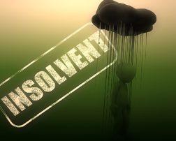 insolventa paravion