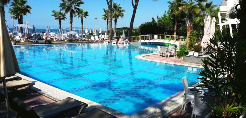 Vacanță în Ksamil și Durres, la prețuri greu de ignorat. Iată cum arată hotelurile albaneze! (VIDEO)