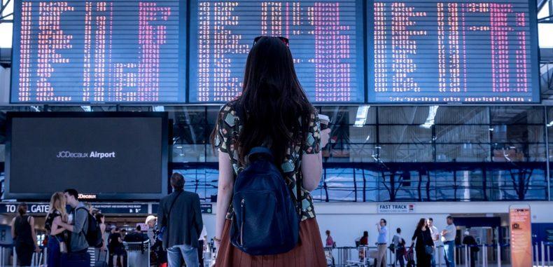 Cum a fost despăgubit de Wizz Air, cu 500 de euro, un pasager român care își știe drepturile