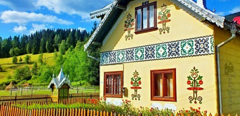 Satul Ciocănești din Bucovina, în topul celor mai colorate sate din Europa