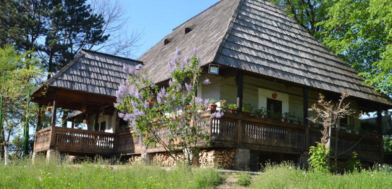 Mini-vacanța de Paște, prilej de călătorie pentru români. Unde pleacă cei mai mulți