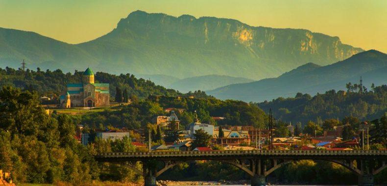 Georgia, noua destinație Wizz Tours, de la 830 de lei