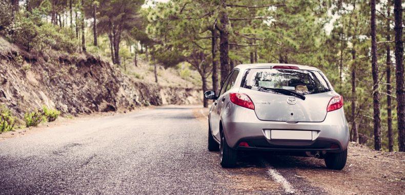 10 lucruri de care să ții cont la închirierea unei mașini