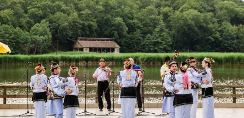 Astra Multicultural, locul unde culturile minorităților se iau la dans popular
