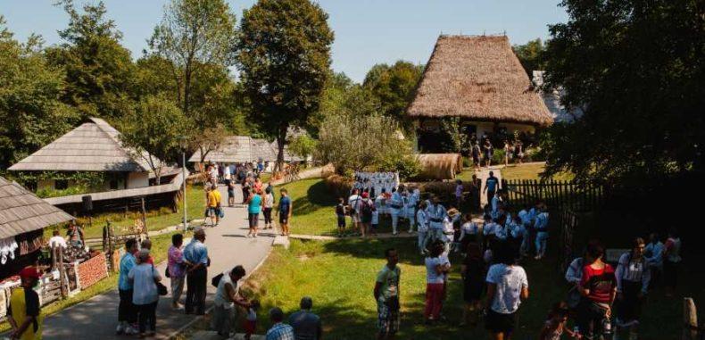 Târgul Creatorilor Populari din România, la Muzeul Astra până la 19 august