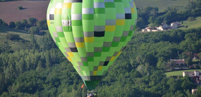 Destinații în care poți zbura cu balonul cu aer cald