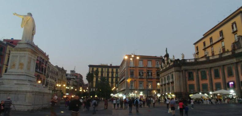 Napoli, o destinație completă, cu tot ce vrei și ce nu vrei