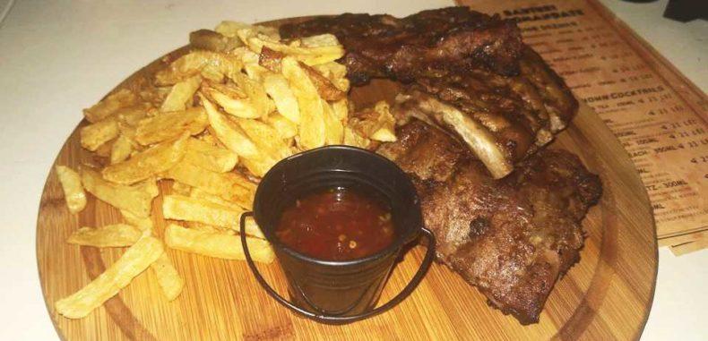"""Restaurantul """"La Ciurucuri"""", bun să-ți mozolești sufletul cu mâncare"""