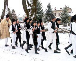 Românii au multe tradiții și superstiții ciudate de Bobotează, așa că am încercat să redâm câteva care fac mândru folclorul românesc.