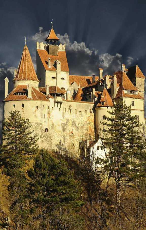 Cele mai frumoase castele din România  castelul bran dracula castelul bran vlad țepeș castelul bran bram stocker
