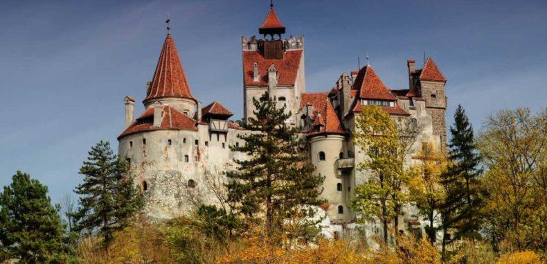 Castelul Bran, între istorie și legenda lui Dracula
