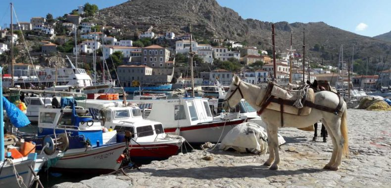 Insula Hydra: vacanța de vară din 2019 în care să te regăsești