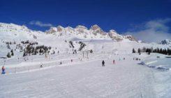 Pârtiile de la Șureanu și Arieșeni sunt perfecte pentru schiat, zilele acestea, asta datorită zăpezii proaspăt aşternută.