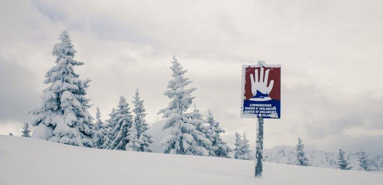 Risc mare de avalanșă în munții Făgăraș. Zăpada are 173 cm