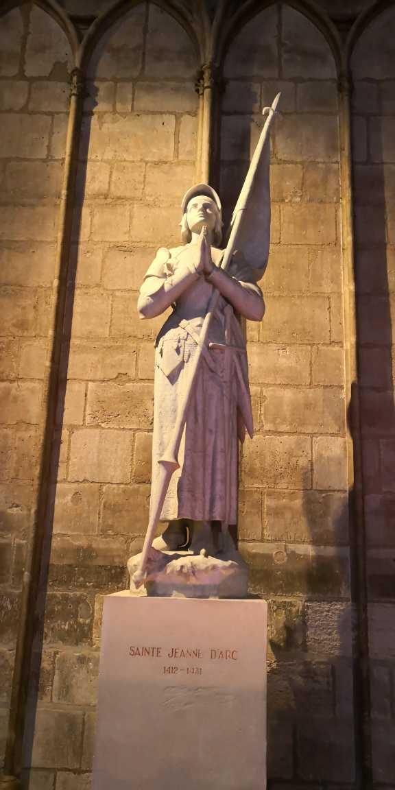 catedrala notre dame paris cocoșatul de la notre dame
