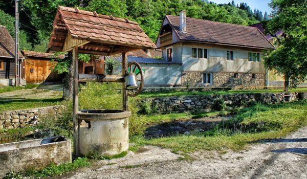 mini-vacanță ieftină cetatea râșnovului castelul bran dino parc city break de romania