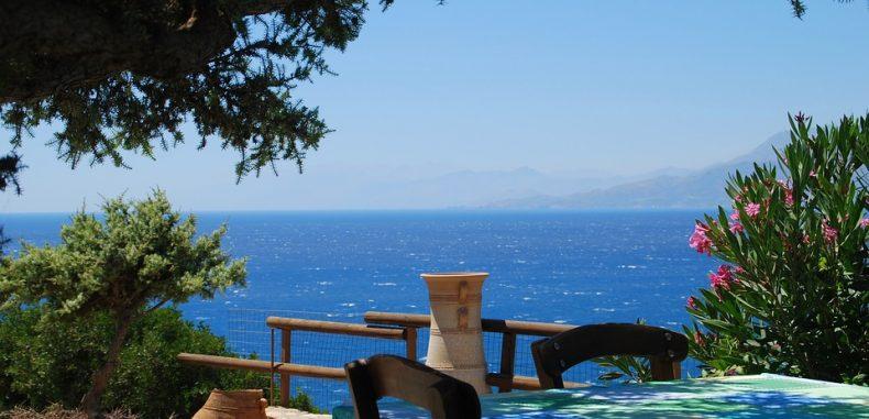 Paralela 45 premiază mersul la vot cu o vacanță în Creta
