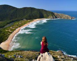 78% dintre participanții europeni încă plănuiesc să călătorească între lunile iunie-decembrie 2020, atât timp cât localitatea lor sau destinația nu vor fi în carantină Vacanțele la litoralul Mării Negre vor fi cu până la 10% mai ieftine decât cele din 2019, pe fondul falimentului cele mai vechi companii de turism din lume români triști și fără chef de muncă